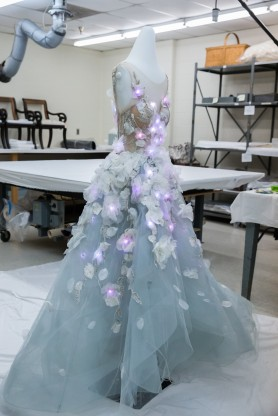 ibm_and_marchesa_cognitive_dress_on_display_mannequin_at_the